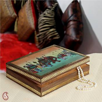 Attractive Gemstone Jewel box