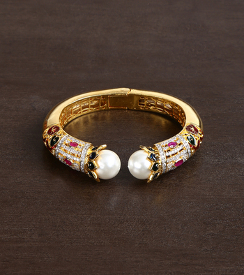 High Quality  Kundan Bracelet For Style Icons
