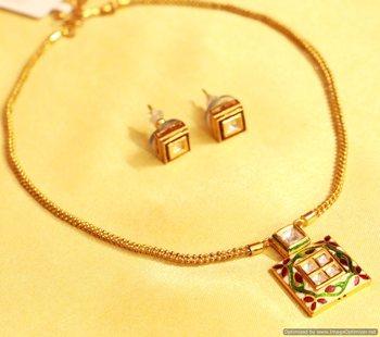 eb8899642 Kundan Meenakari Square Shaped Pendant Set - Sanvi Jewels Pvt. Ltd. - 959761