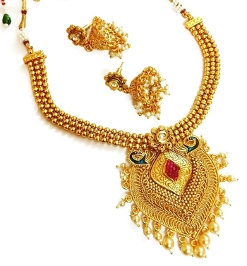 Divinique Enchanting rmulticoloured Pearl polki necklace set