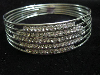 Diamond studded bangle/bracelet