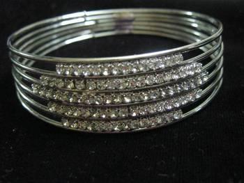 Diamond studded bangle/bracelet