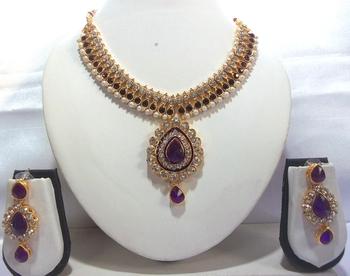 Purple pearl dulhan necklace set