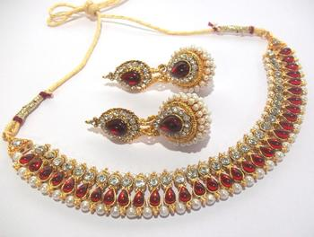 Maroon pearl gota necklace set
