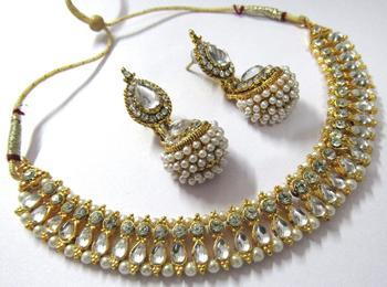 White pearl gota necklace set