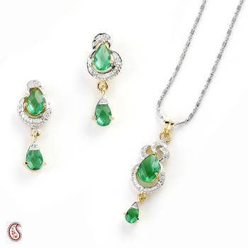 Captivation Pendant Set with Green crystals