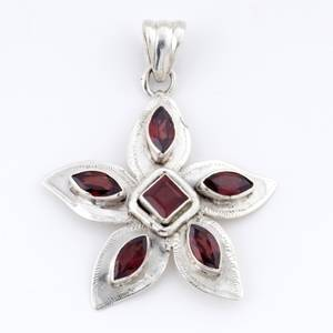 Shades Of Glory-Handcrafted Sterling Silver Garnet Pendant_08