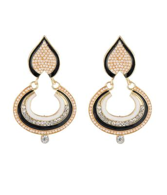 Pearl Embroider Dusky Earring