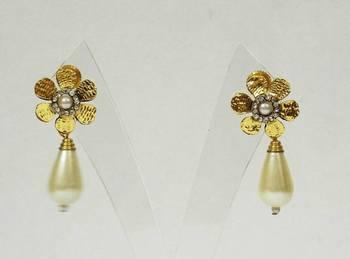 Pearl And Zircon Stud Earring