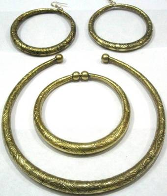 Ethnic Golden Hasli Set