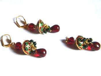 red and green minakari