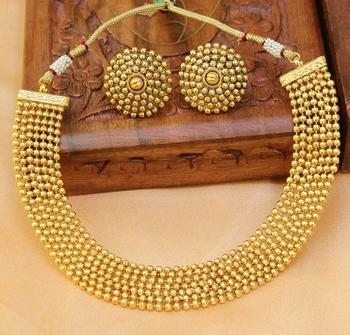 GORGEOUS GOLD PLATED PLAIN COPPER NECKLACE SET
