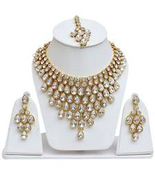 Artificial Stone Work Choker Necklace Set With Earrings And Maang Tikka