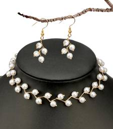 New Elegant Jewelry Simulated Pearl Clavicle Chain Necklace For Woman Simple Chokers Necklaces