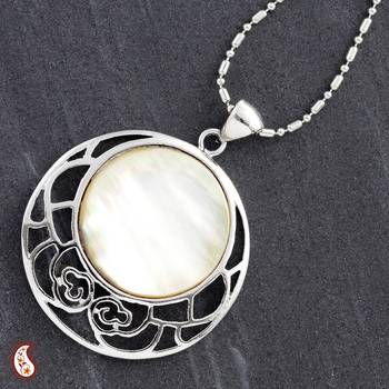Round Shell Silver Pendant