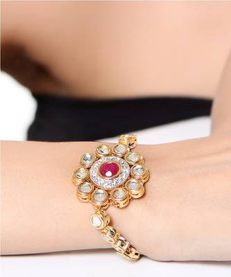 Captivatingly designed Kundan bracelet