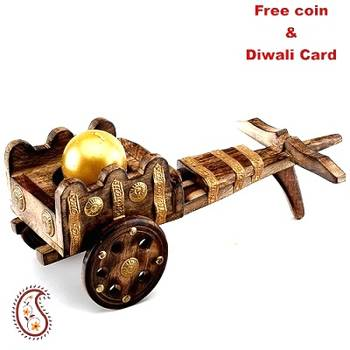 Wooden Rajwada Bagghi with Golden Ball Candle