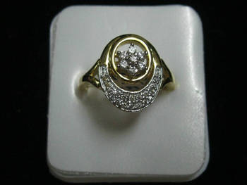 One gram gold diamond studded stunning ring