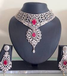 Buy necklaces Necklace online