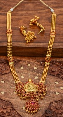 ANTIQUE GOLDEN STONE STUDDED TRADITIONAL TEMPLE THEME NECKLACE SET