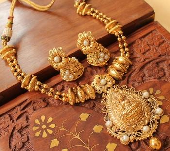 Gorgeous Nagaas Pearl Lakshmi Necklace Set