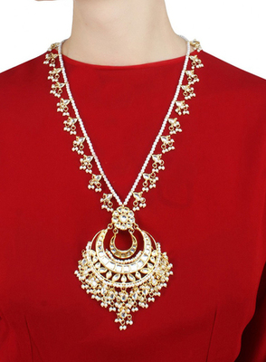 Showstopper Kundan And Pearl Necklace