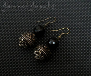 Golden and Black Onyx earrings