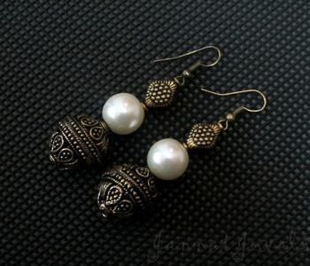 Elegant Pearl Golden earrings