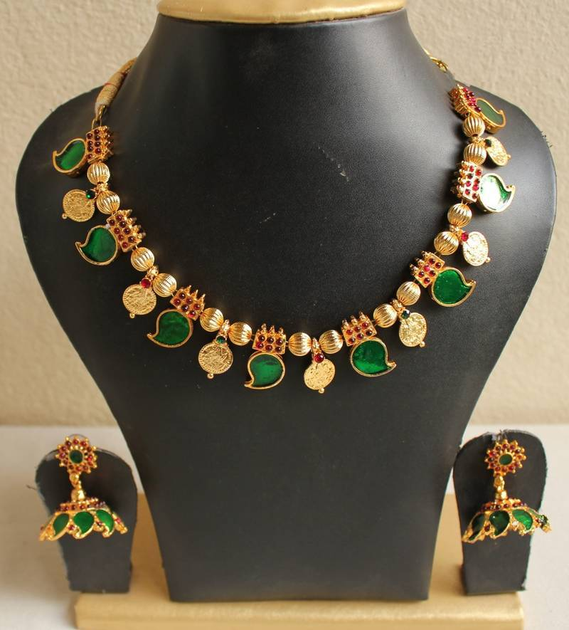 Gorgeous Kerala Style Palakka Necklace Set - DREAMJWELL - 114684