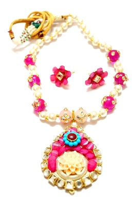 Designer pacchi necklace set