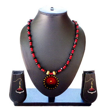 Beautiful  Red and Black Necklace and Earring Set
