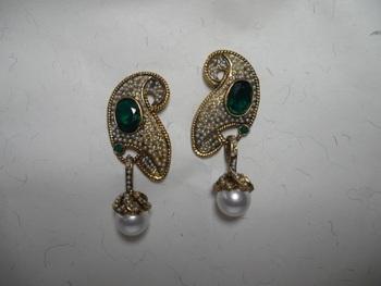 green stone pearl drop earrings