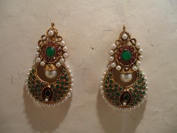 green stone pearl earrings