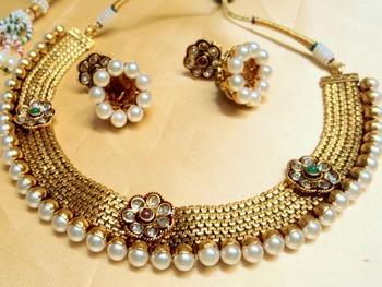 polki golden choker neckpiece