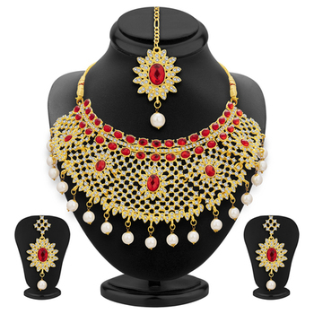 Glistening gold plated ad necklace set for women