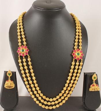 Splendid Multilayer Kemp Green Necklace Set