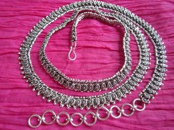 Oxidized waist chain