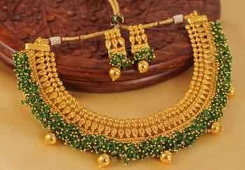 Royal Antique Green Cluster Necklace Set
