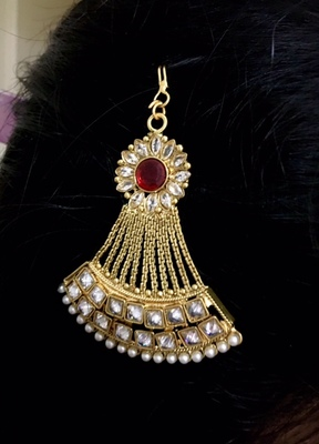 Gold american diamonds maang-tikka