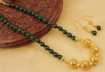 Stunning Handmade Green Designer Balls Necklace Set
