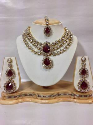 Three Chain Crystal Necklace Set in Maroon Color