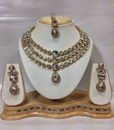 Buy Famous Crystal Jewelry Set in White black-friday-deal-sale online