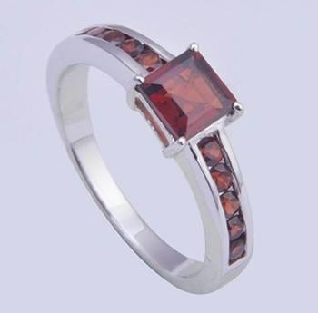 Sterling Silver Garnet Gemstone Rings