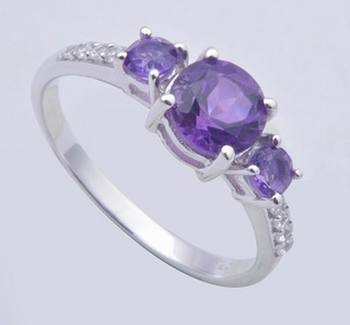 Sterling Silver Ring With Round Amethyst Gemstone