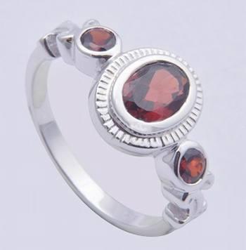 Oval Shape Garnet Gemstone Silver Ring
