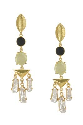 Golden Earrings with Black Onex Perinite Viva Pearl  Stones