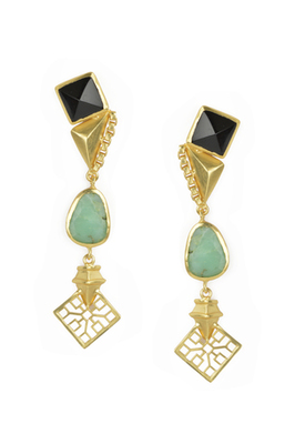 Golden Earrings with Black Onex and Crisoparis Stones