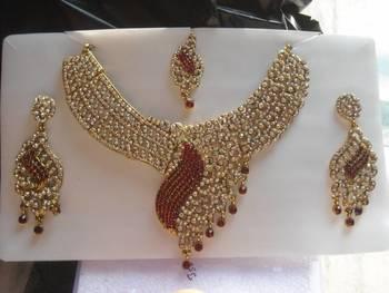 TBZ Maroon Necklace