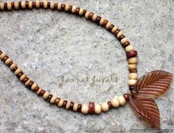 Brown Wooden Neckpiece with Leaf Pendant