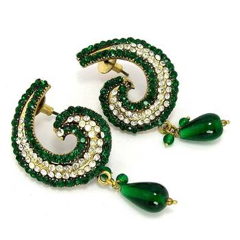 Victorian Curvy Reflex Dangler Emerald Green 1